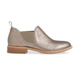 Clark's Artisan Everlane Metallic Ankle Booties